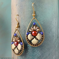 ../gallery/ear/20190612-layla-earrings-9.jpg